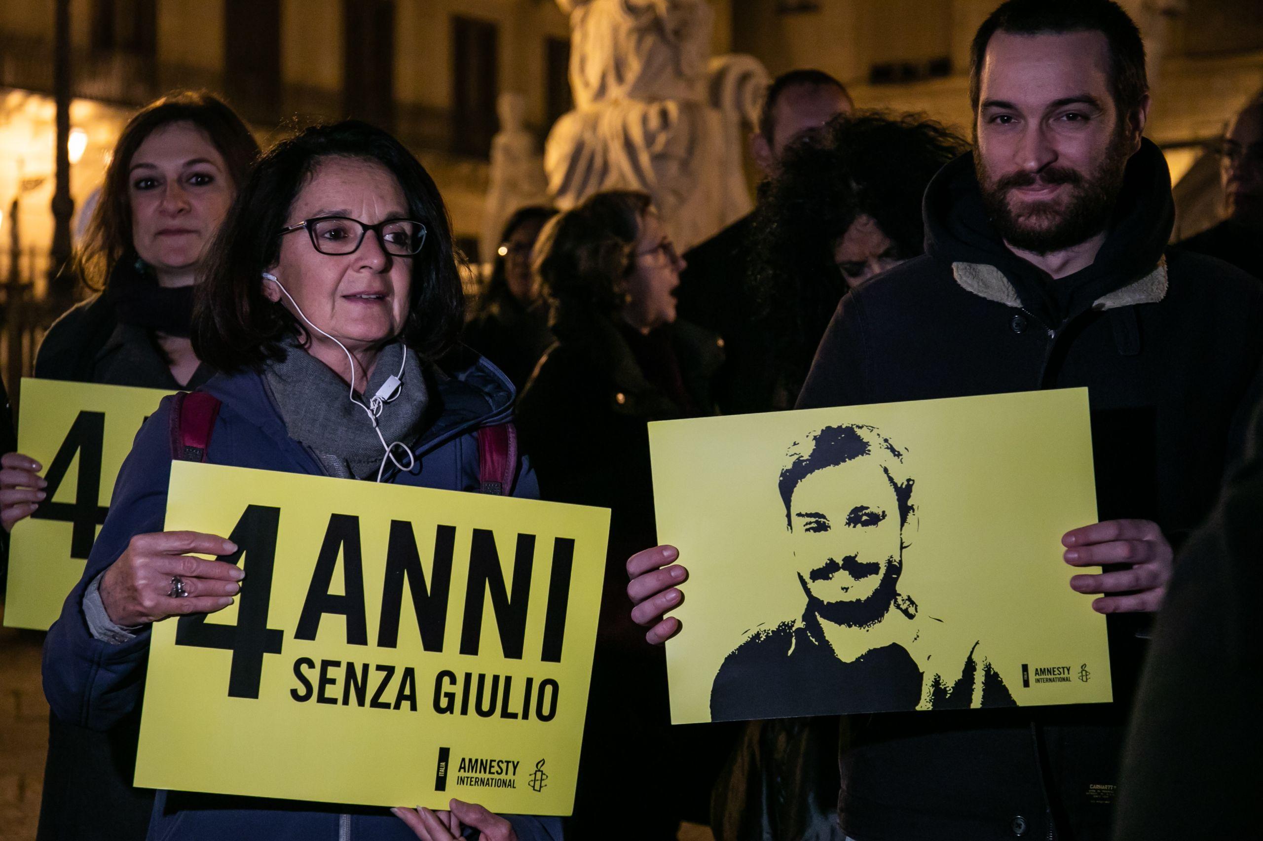 وقفة احتجاجية فى روما للمطالبة بالكشف عن قتلة ريجيني بعد مرور 4 سنوات على مقتله بمصر ( خدمة غيتي للصور)