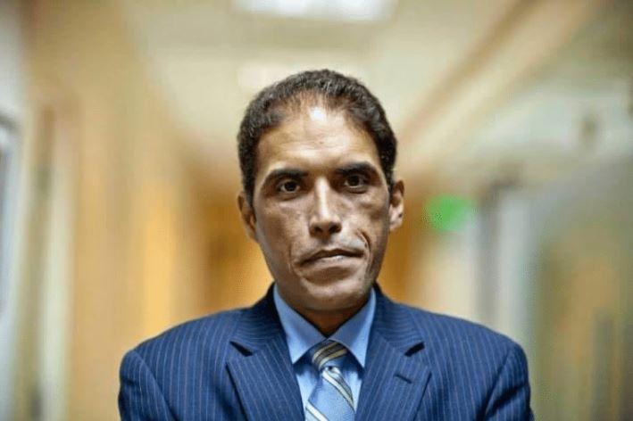 خالد داود أحد الصحفيين الثلاثة الذين أفرج عنهم (موقع الديمقراطية للعالم العربي الآن)