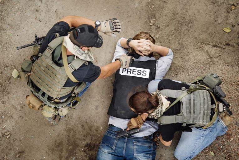 نقابة الصحفيين اليمنيين: الحرب على الصحافة باليمن لا تقف عند أكثر من1400 انتهاك (تعبيرية-شترستوك)<br />