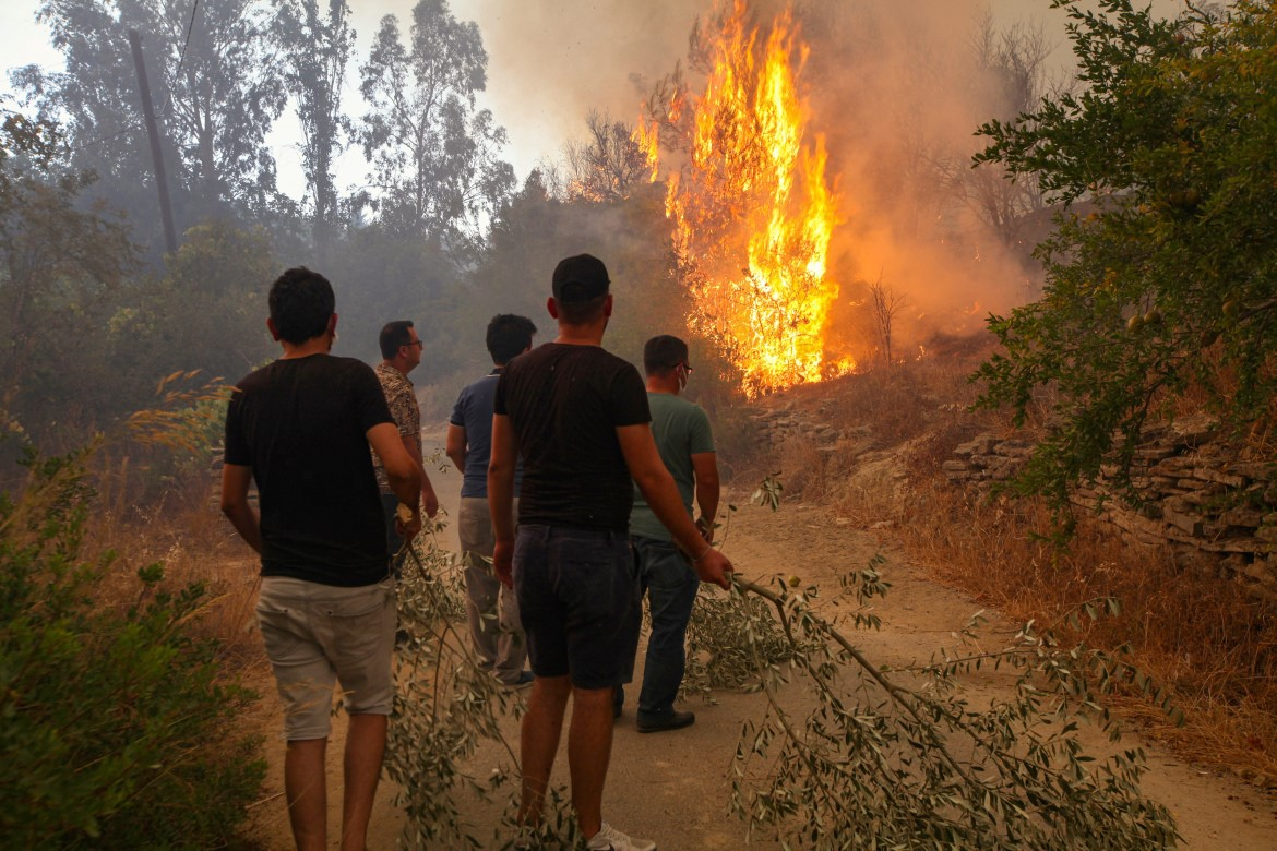 Hot weather and strong winds have made the blazes worse/Aljazeera.