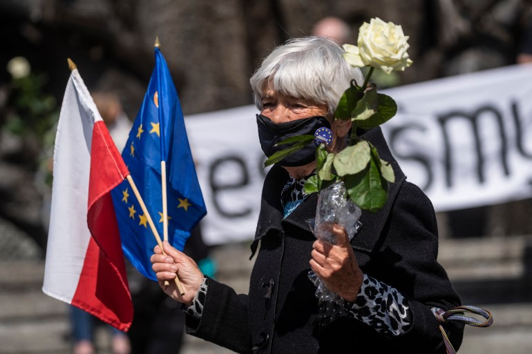 A survey this month showed 88% of Poles believed Poland should remain in the EU and only 7% favoured pulling out, but nearly a third believed leaving as a possibility/Reuters