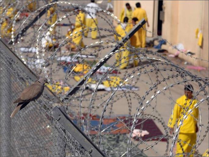 تعذيب المعتقلين يدفعهم في أحيان كثيرة للاعراف بجرائم لم يقترفوها (الجزيرة)